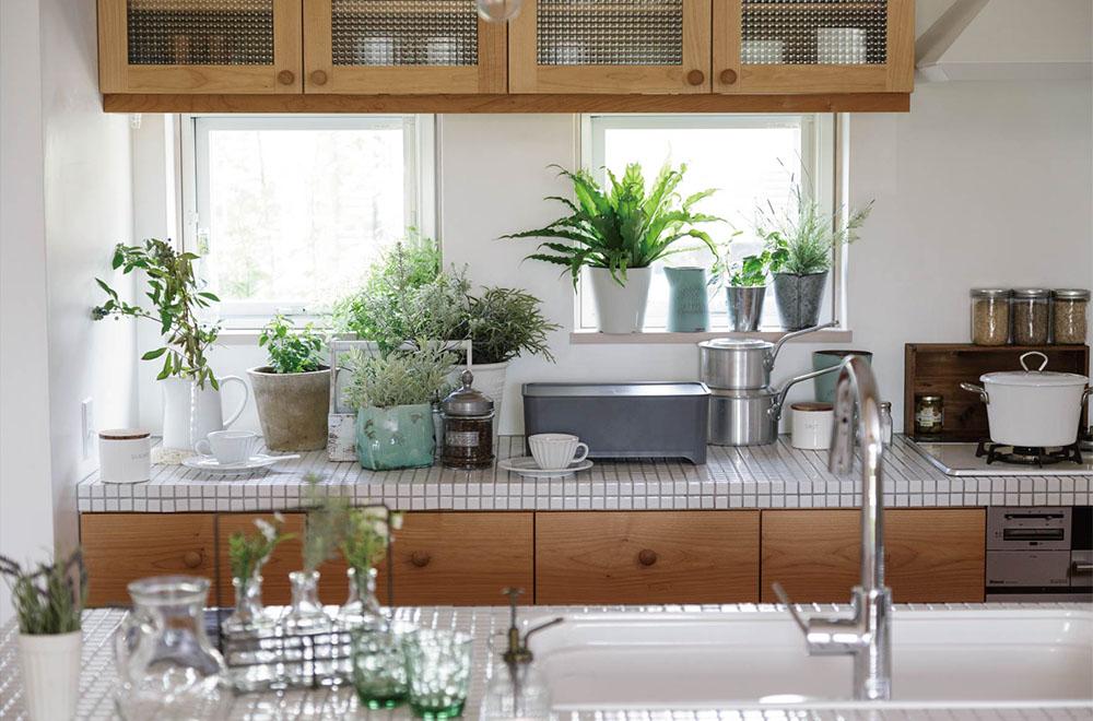 キッチンに溶けこむ究極のシンプルデザイン