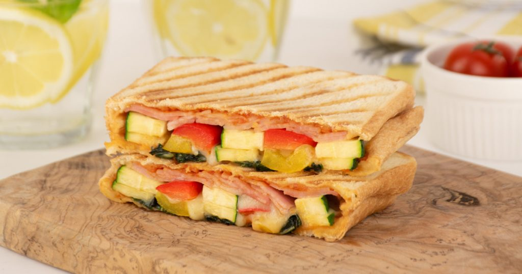 夏野菜たっぷり!ラタトゥイユ風サンド