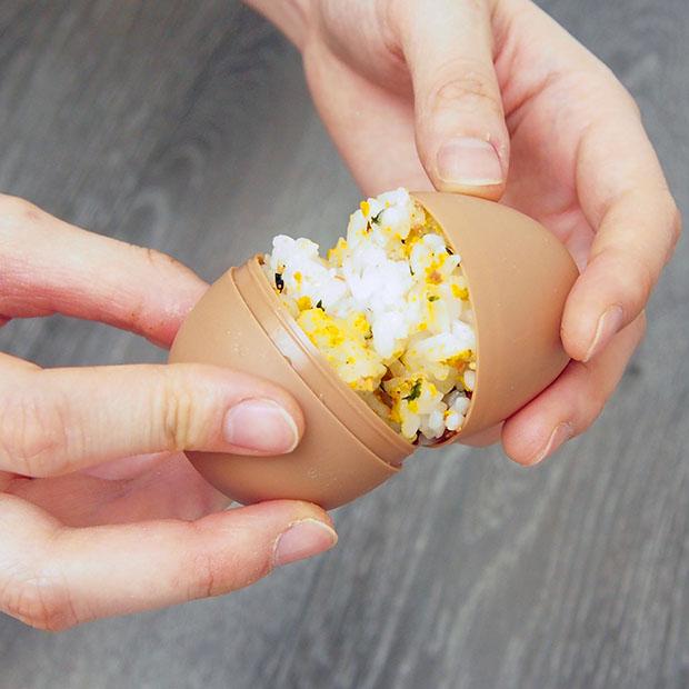 簡単に卵形のおにぎりが作れます
