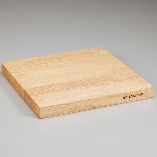 ゴム天然木集成材を使用