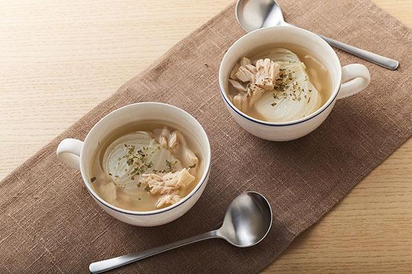 新玉ねぎとツナのスープ