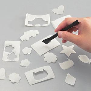 付属のカッターで色々な形に切り抜ける