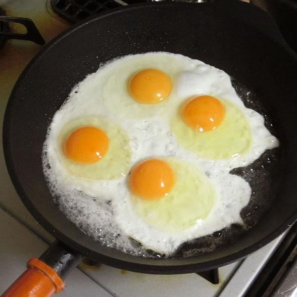 卵が偏らずに焼けます