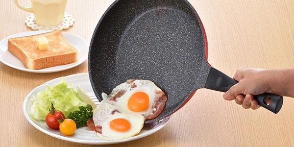 食材がくっつきにくく、すべりが良くなるふっ素樹脂加工