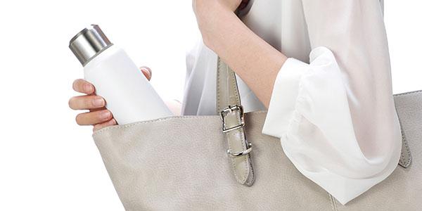スリムで持ち運びしやすい、スクリュー栓のボトル IMIO(イミオ) スリムボトル