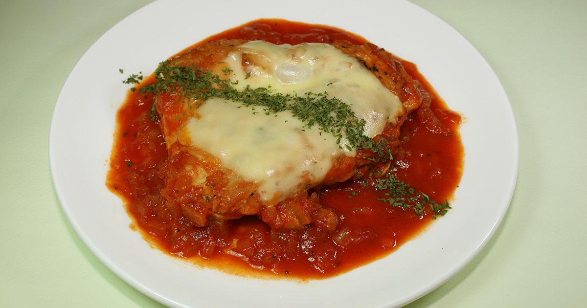 チキンソテーのオニオントマトソース