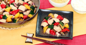 イカとカラフル野菜の中華炒め